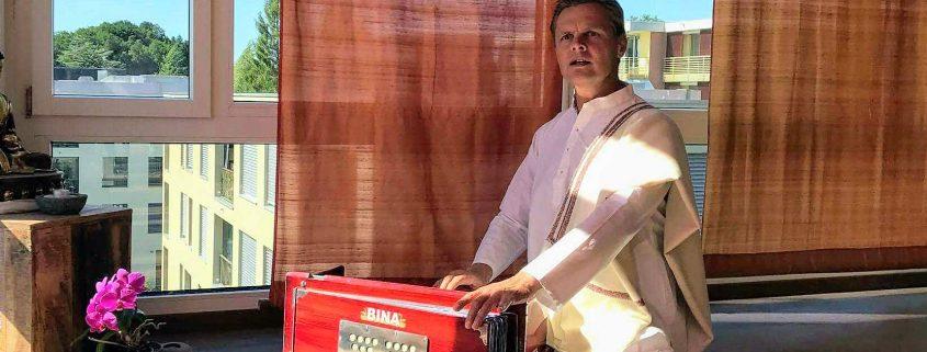 Satsang & Mantra Singen mit Harmoniumbegleitung